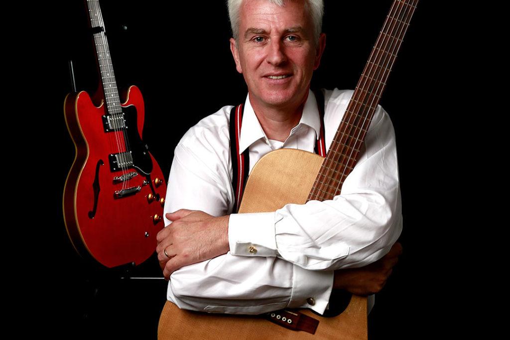 Livemusik im Café Openair: Guy Dawson